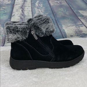 Khombu black suede faux fur trim ankle boots warm